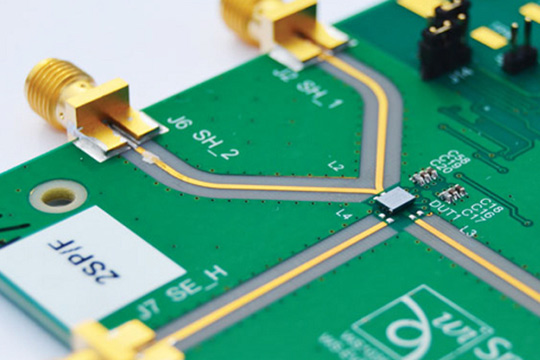 High-Speed PCB Design for EMC and Signal Integrity