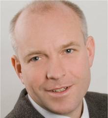Instructor Christoph Hohle Element